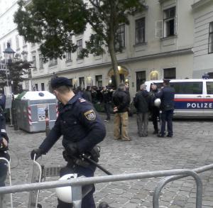 Als die Polizei einen Passanten zum Demonstranten machte und sich so eine Demonstration selber organisierte